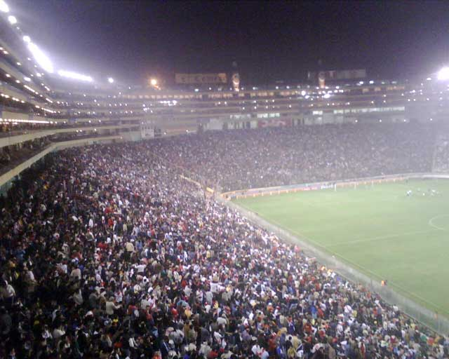 Estadio Monumental full - Club Universitario de Deportes